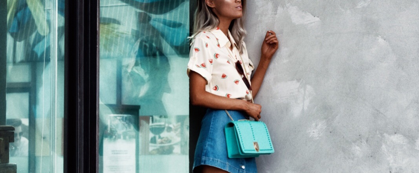 Fun Ways to Incorporate Splashes of Color Into Your Everyday Outfit