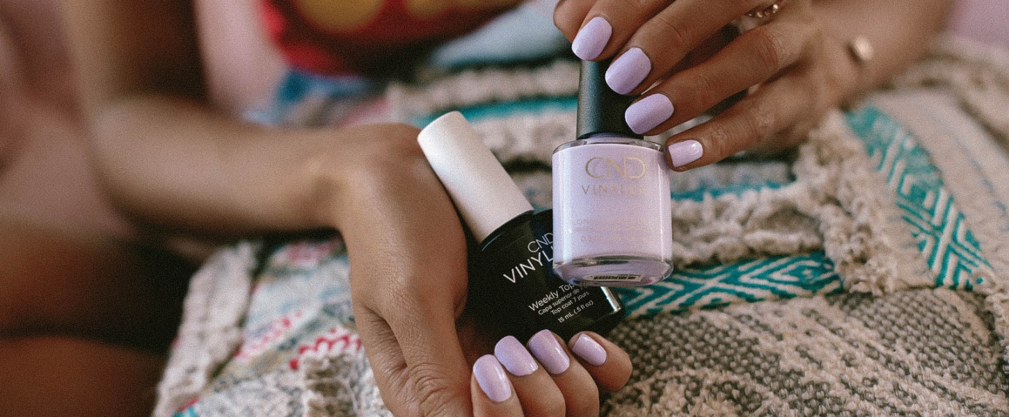 3 Kinds of Nail Polishes that Instantly Enhance Your Tan