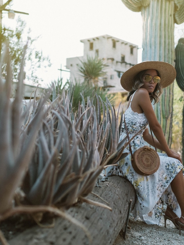 Thrift Finds: Frilly Dress & Wide-Rimmed Straw Hat